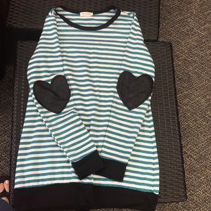 Tops - m tunic heart patches on elbow